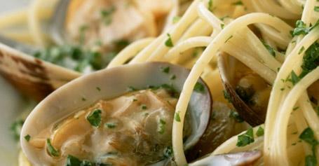 Recetas de pastas y pan con agua de mar - Espaguetis con almejas ...